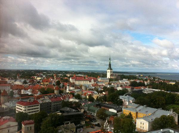 Вид на Старый Таллин с 22 этажа гостиницы Sokos Hotel Viru